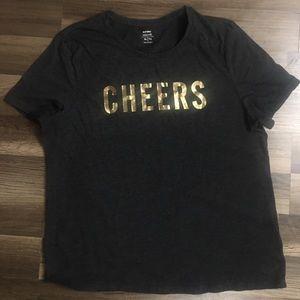 """Old Navy XL """"cheers"""" short sleeve tee"""